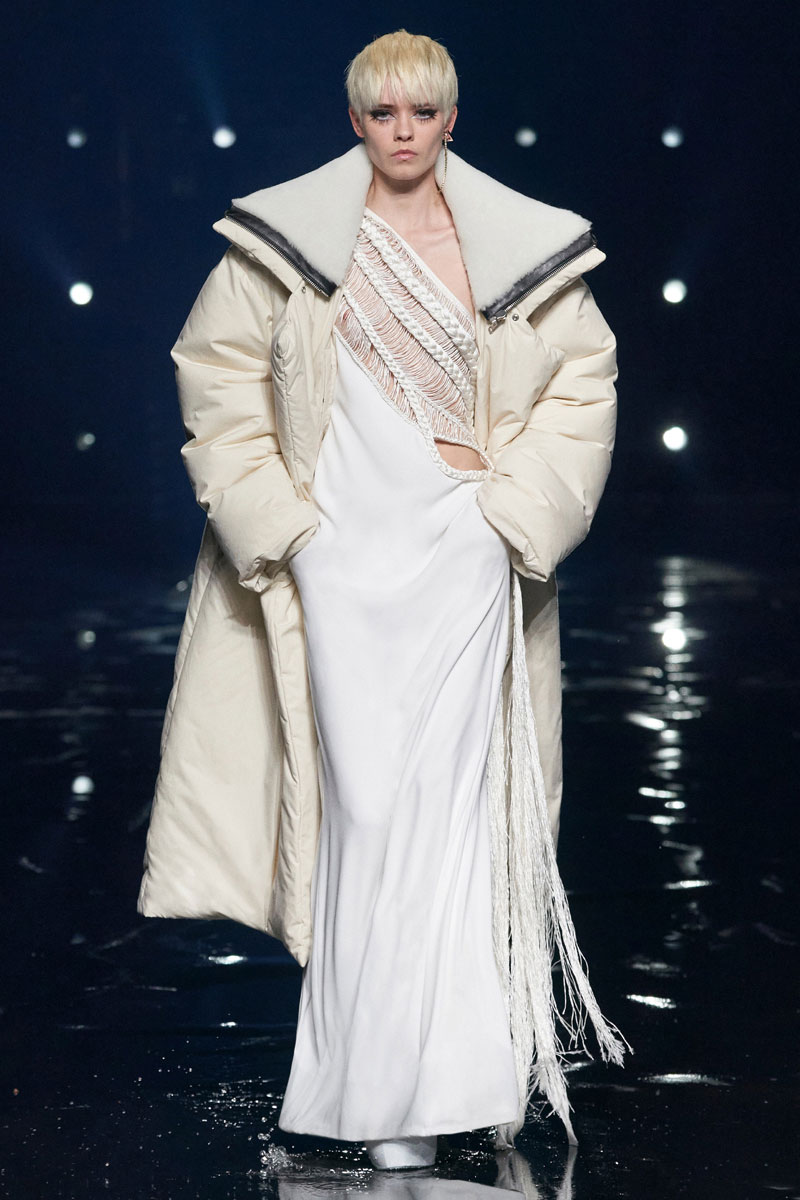 11_Givenchy-RTW-Fall-2021-runway-show-matthew-williams