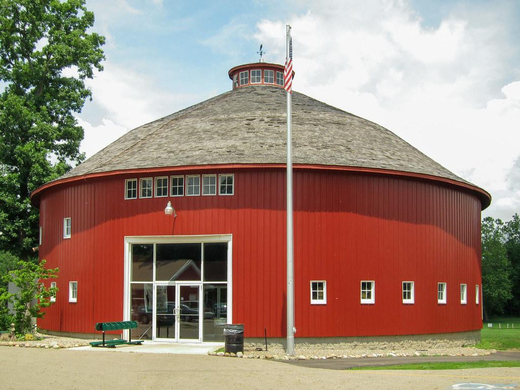 """Round barn"""