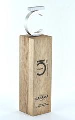 statuetka z drewna meranti inkrustowana mosiadzem (3)