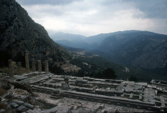 1992.30.06-02 Delfos