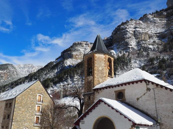 canfranc pueblo nevado david 坎弗兰克市 by 阿拉贡大区旅游局 庇里牛斯山