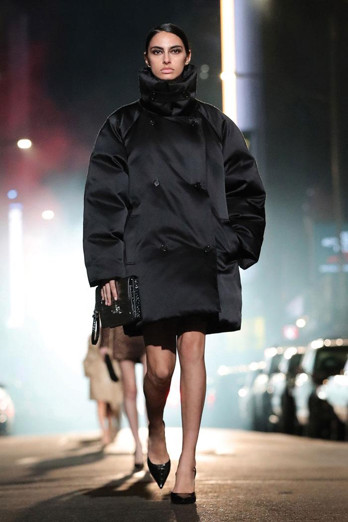 5_michael-kors-fall-2021-runway-show