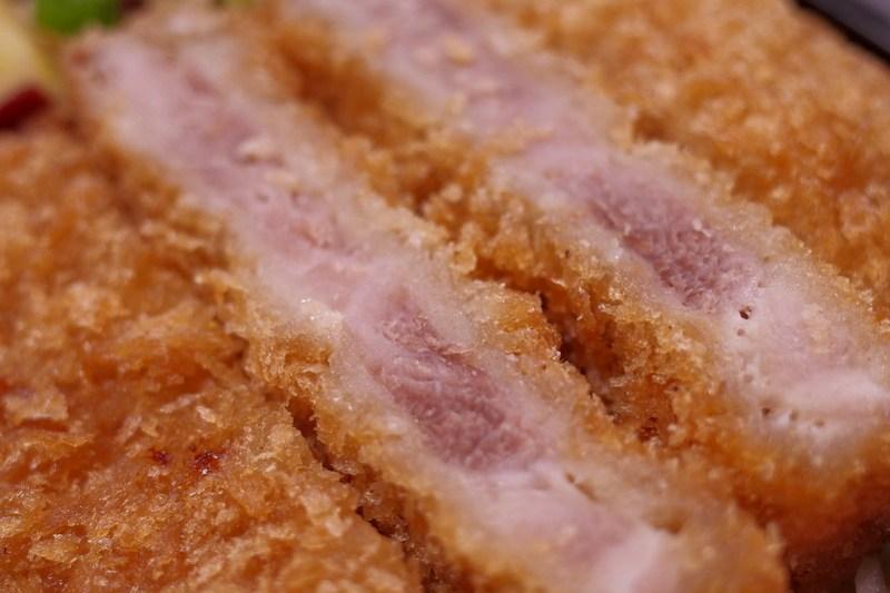 県産豚のとんかつ ちば元気弁当 ~豚づくし丼~ 08