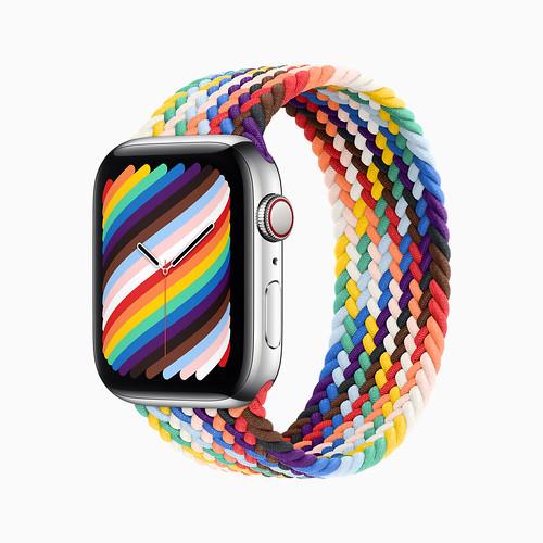 apple_pride2021_watch-series6_braided-solo-loop-pride-edition_05172021