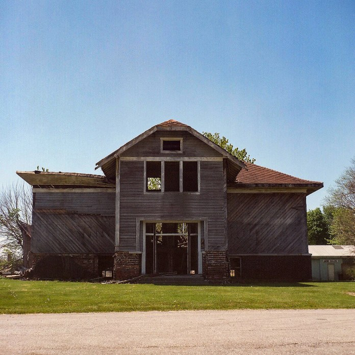 Abandoned schoolhouse, Middlefork