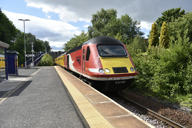 43290 and 43013 at Dunston