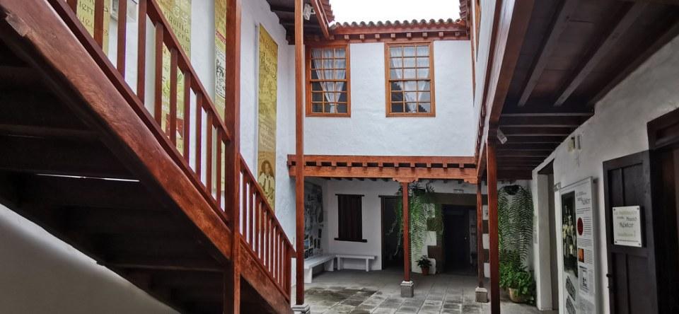 patio edificio interior Museo Néstor Álamo Santa María de Guía Gran Canaria 01