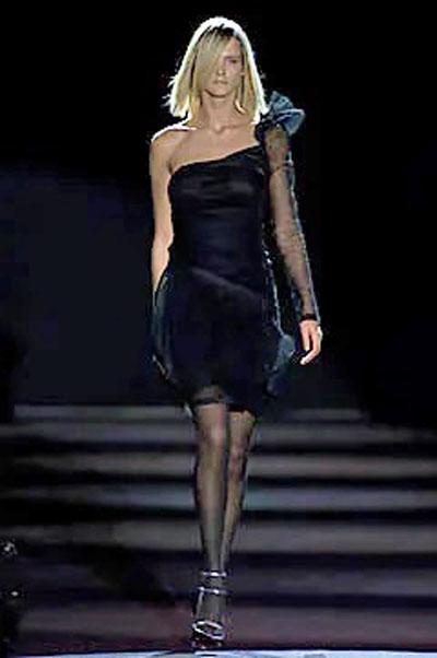 11_yves-saint-laurent-runway-spring-2001-tom-ford
