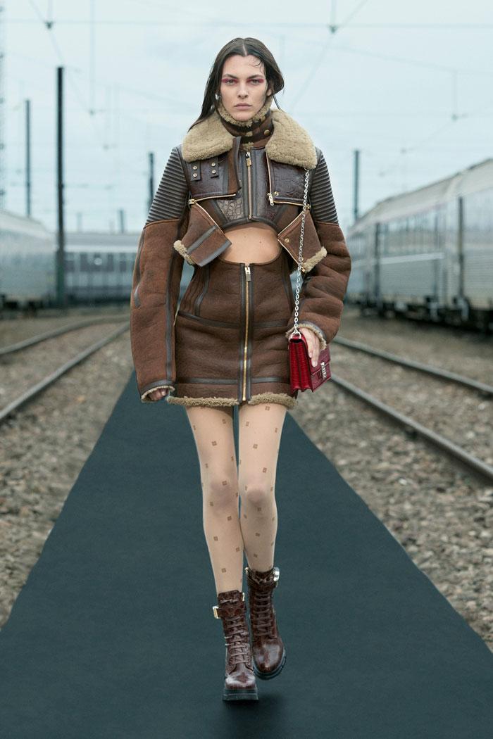 11-Givenchy-Resort-2022-runway