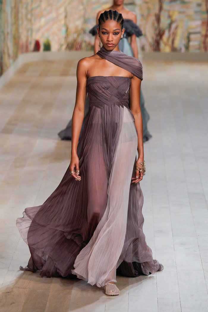 16_christian-dior-couture-fall-2021
