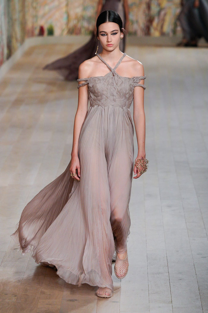 15_christian-dior-couture-fall-2021