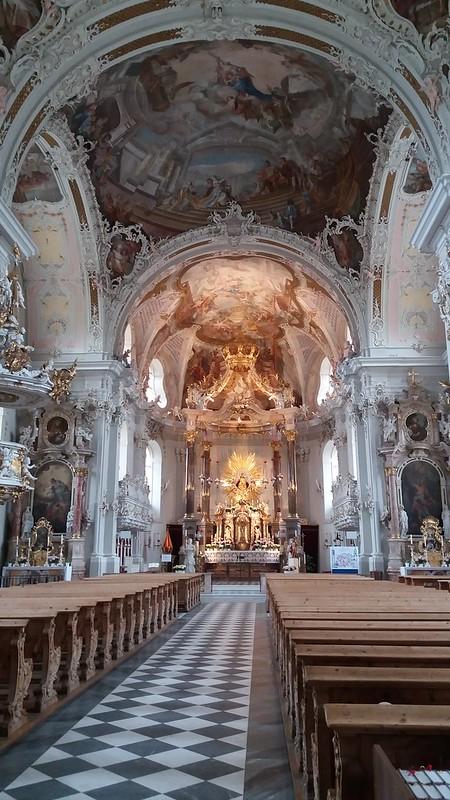 altar Mayor y nave central interior Basílica Wilten Innsbruck Austria 01