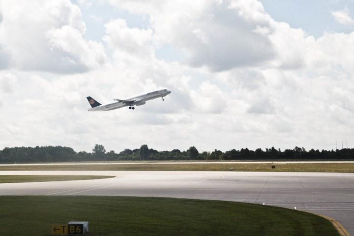 Lufthansa 737 at Muchen Airport