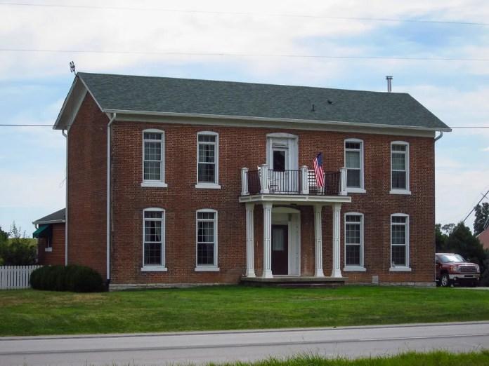 Old house on US 40, Putnam Co.