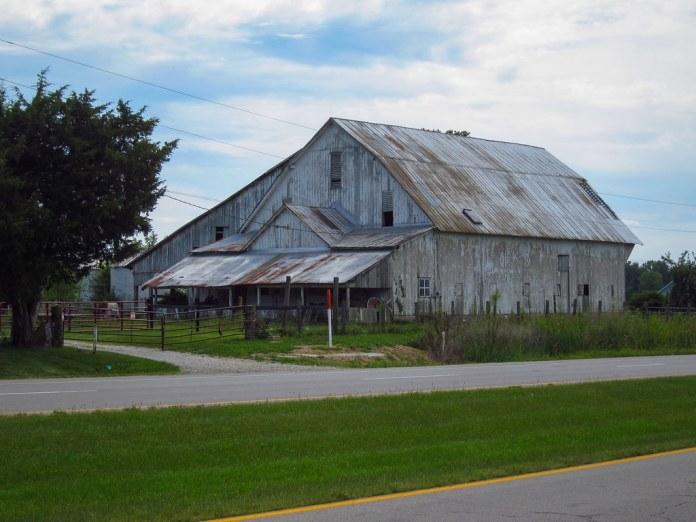Old barn on US 40, Putnam Co.