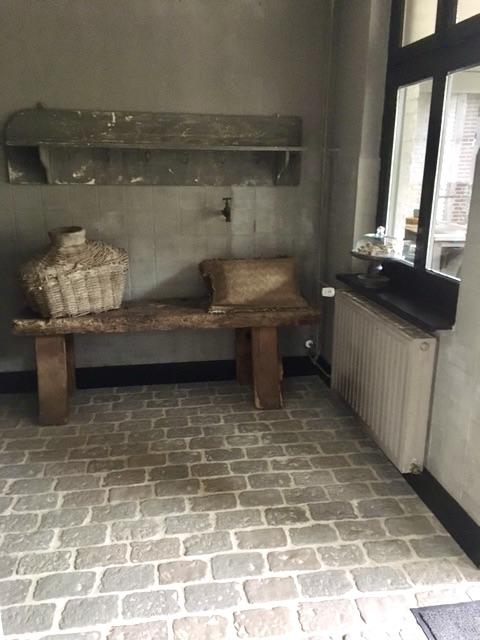 Keuken landelijk sober RAW Stones vloer