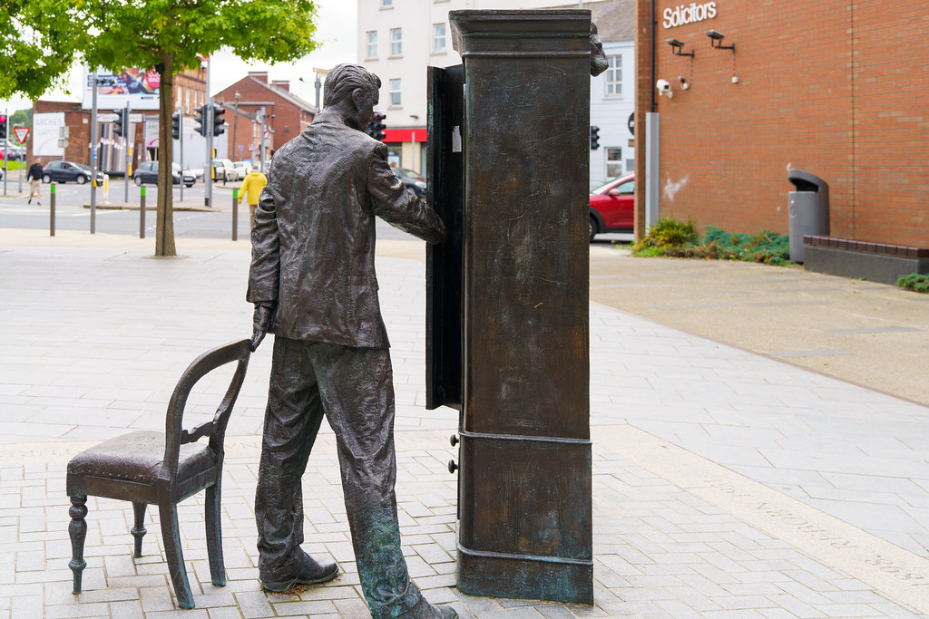 THE SEARCHER BY ROSS WILSON [CS LEWIS SQUARE IN BELFAST]-197596