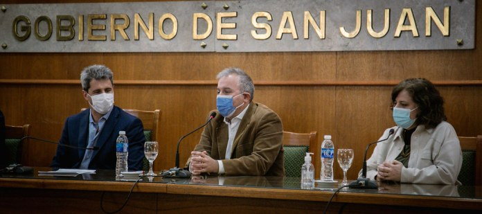 2021-10-06 PRENSA: Uñac firmó el decreto para la Conformación del Consejo Provincial para la Protección Integral de la Niñez y Adolescencia y convenios con SeNAF