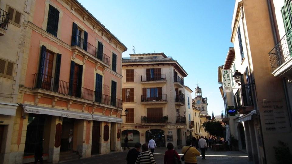 Plaza de la Constitucion Alcudia Mallorca 16