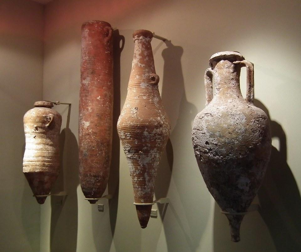 anforas ceramica Museo del Monasterio de Lluch Mallorca 05