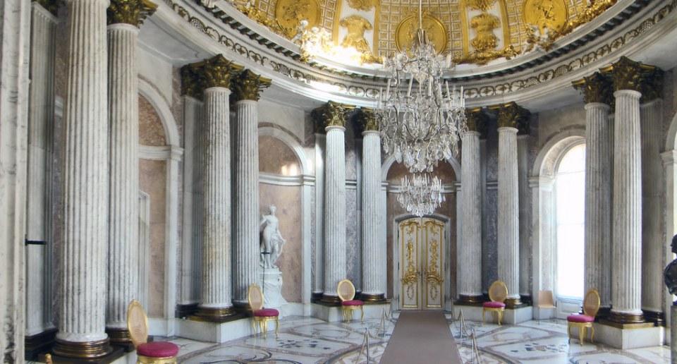 Potsdam salon de marmol interior Palacio de Sanssouci Alemania 01