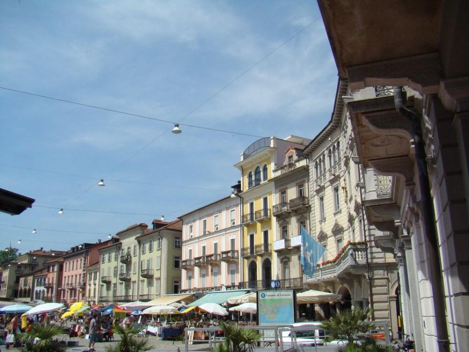 Suiza Plaza Grande Locarno 01