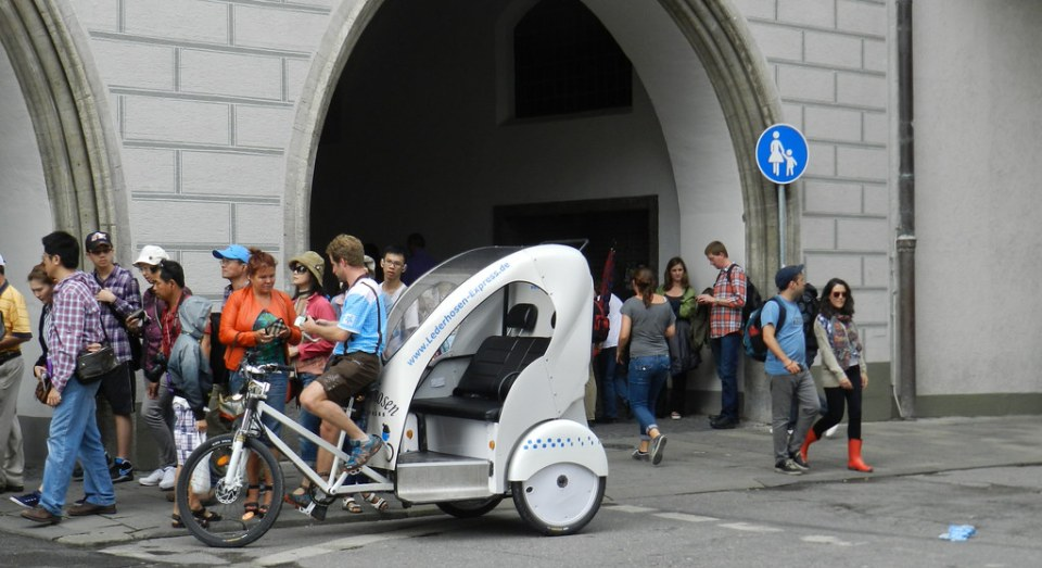 triciclo taxi Munich medios de transporte Alemania 02