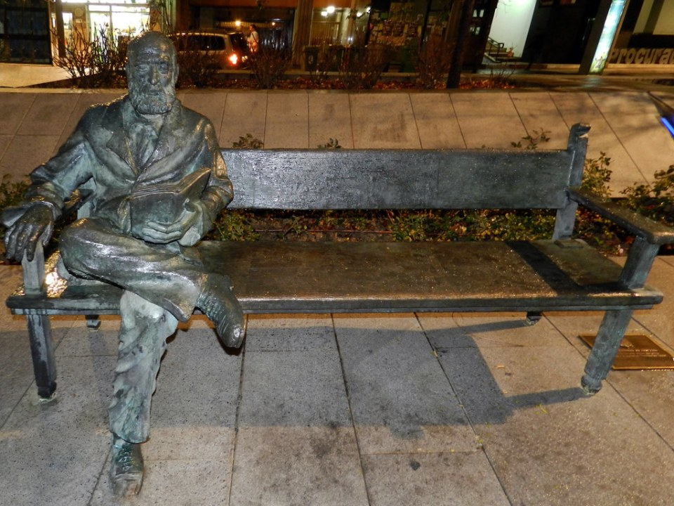 Granada escultura Pedro Antonio de Alarcon 15