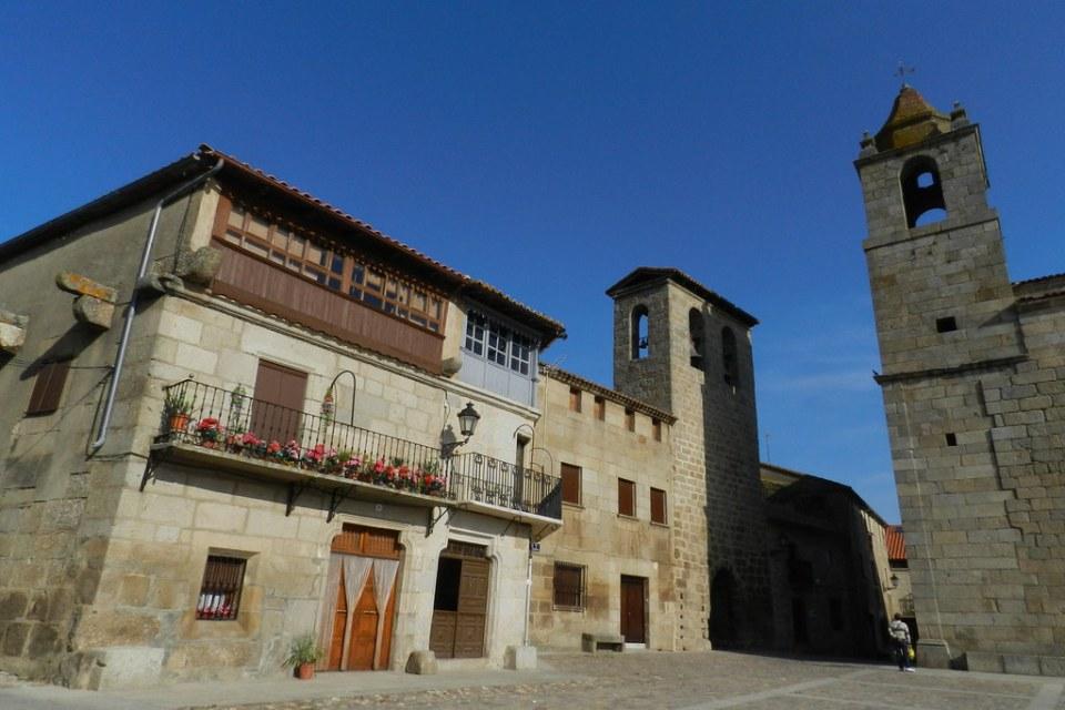 Torre de la Campanas Plaza de España San Felices de los Gallegos Salamanca 02