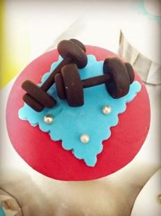 dumbbell cupcake