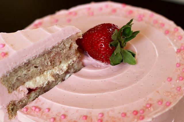 Strawberry Supreme Cake - 57