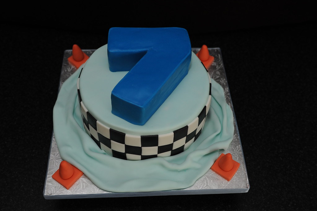 Terrific 7 Year Old Boy Birthday Cake Images The Cake Boutique Funny Birthday Cards Online Hetedamsfinfo