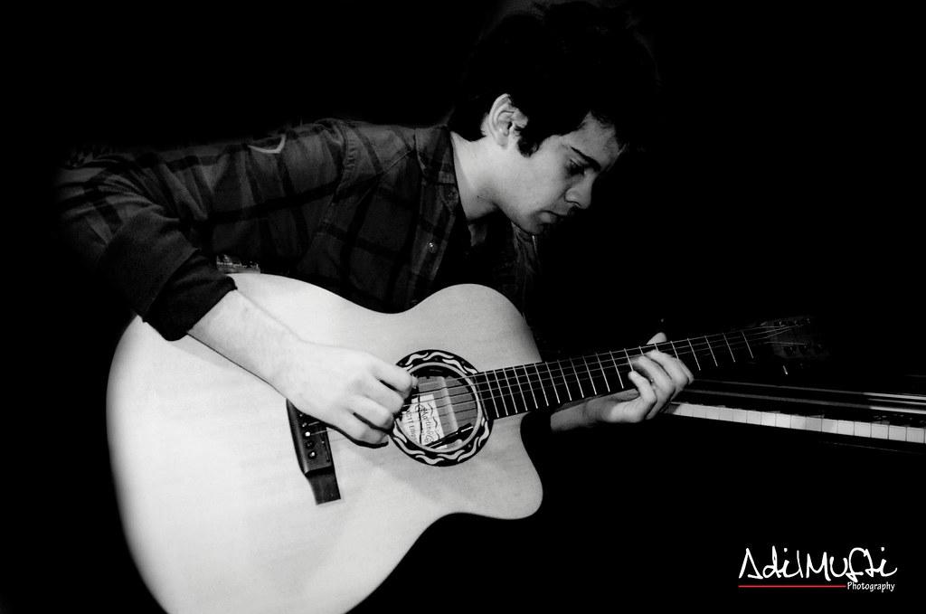 Usman-Riaz-at-MAD-School-Karachi-18-Feb-2012-6 | sara khan | Flickr