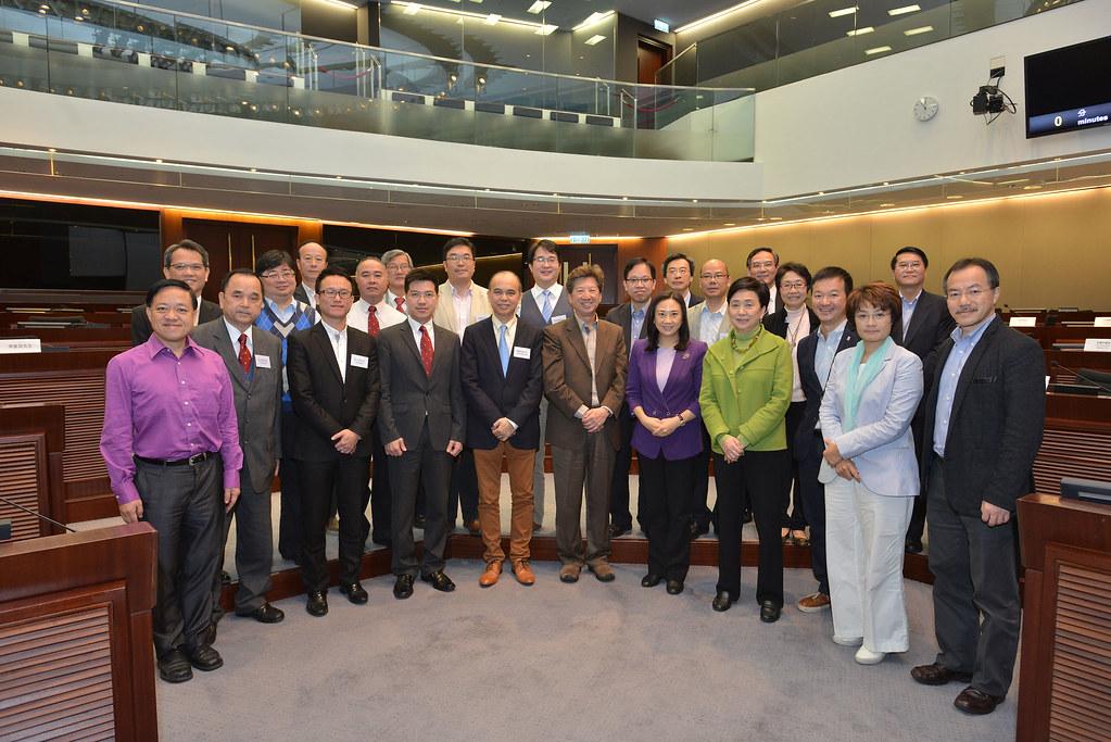 與西貢區議會議員舉行會議 Meeting with Sai Kung District Council member…   Flickr