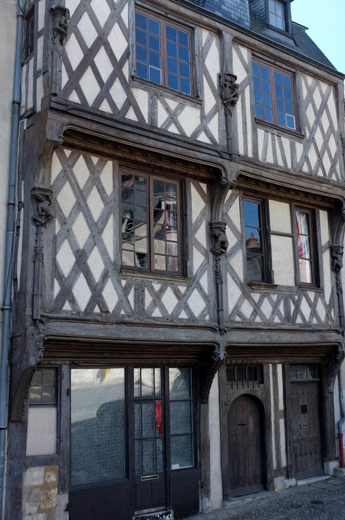 Maison à Pan De Bois : maison, Blois, Maison, Acrobates, Com…, Flickr