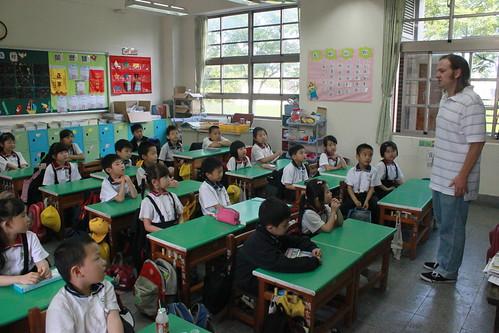 外師巡迴教學 Teacher Matt 20120430_31 | 頭家國民小學 Tuojia Elementary School | Flickr