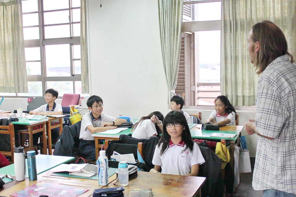 外師巡迴教學 Teacher Matt 20120416_02 | 頭家國民小學 Tuojia Elementary School | Flickr
