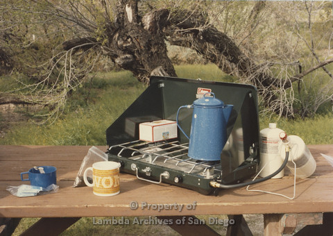 P024.082m.r.t Cathy Moore's 34th Birthday, Halley's Comet Weekend, Anza Borrego Desert 1986: Blue kettle on a grill
