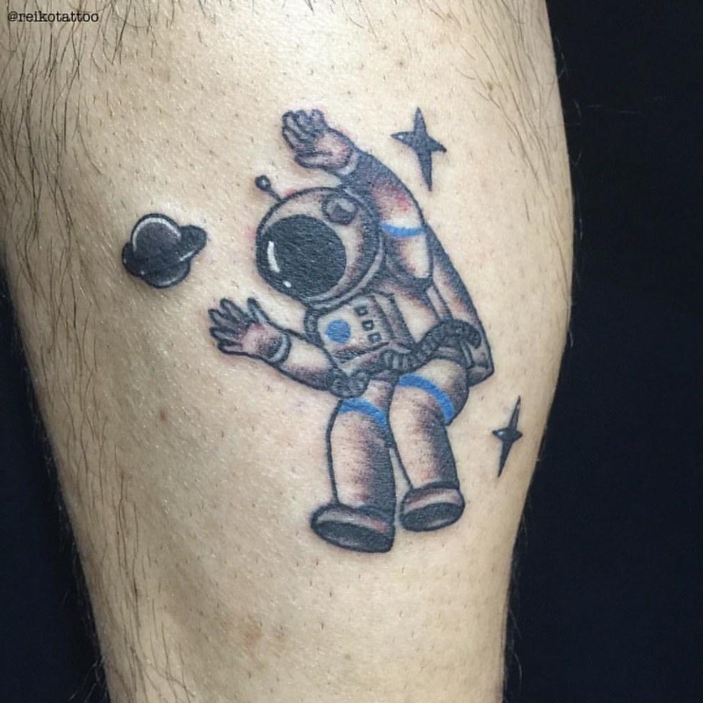 Astronaut Saturn Tattoo 宇宙飛行士 土星 タトゥー Reikotattoo
