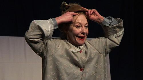 Eva Carlsson som Madame Suffletski