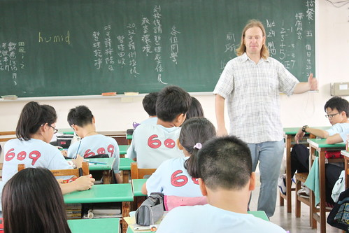 外師巡迴教學 Teacher Matt 20120416_08 | 頭家國民小學 Tuojia Elementary School | Flickr