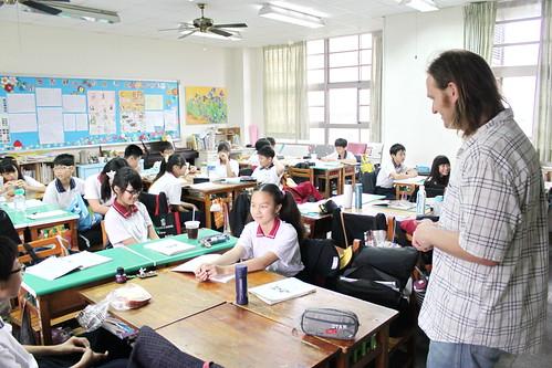外師巡迴教學 Teacher Matt 20120416_03 | 頭家國民小學 Tuojia Elementary School | Flickr