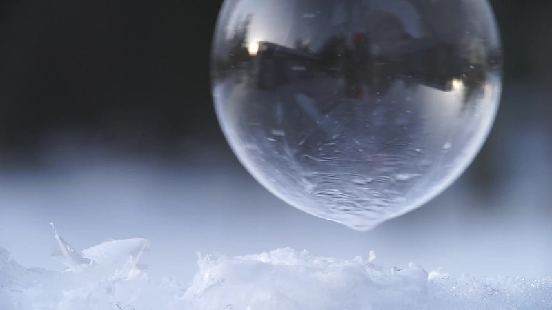 Frozening bubble.