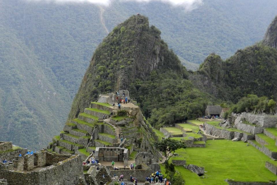 Peru Machu Picchu piramide Intihuatana 01