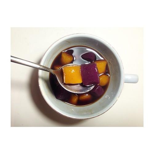 第一次做地瓜圓紫薯圓就上手? #家鄉味 #地瓜圓 #taiwan | Sandra Yen | Flickr
