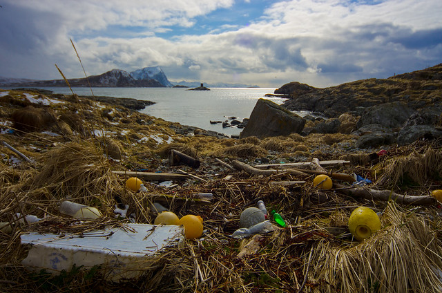 Marine litter. Spoiling even the nicest view tw Håja
