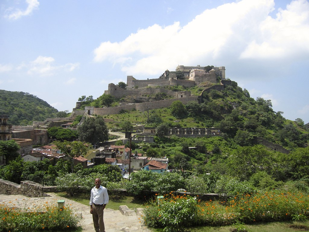 the palace at Kumbhalgarh