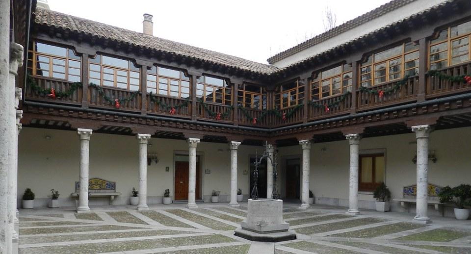 patio interior Palacio Pimentel Diputacion Provincial Valladolid 08