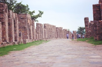 Bhangarh (one of the india's most haunted places)