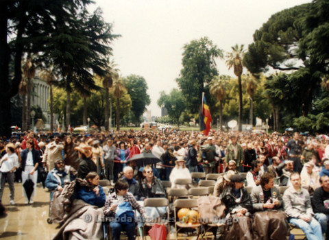 P019.104m.r.t March on Sacramento 1988 / Pre Parade gathering: Shot of audience